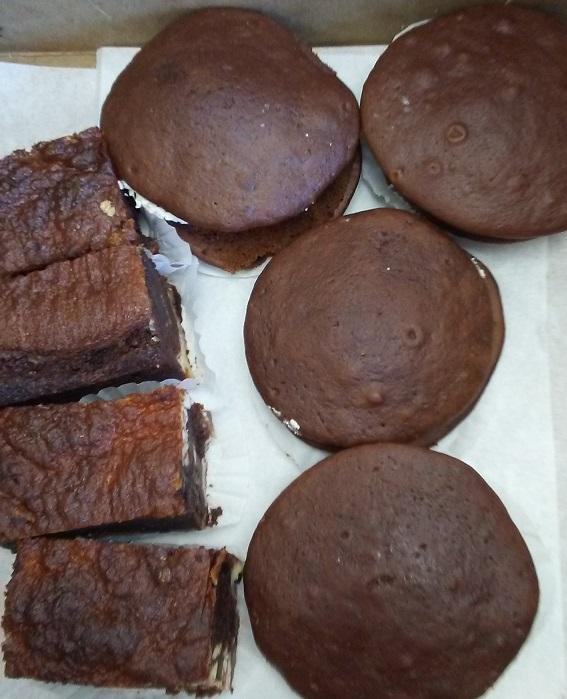 BLG-whoopie-pies-brownies